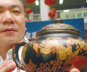 乾隆年间宫内御用紫砂壶拍出155万天价