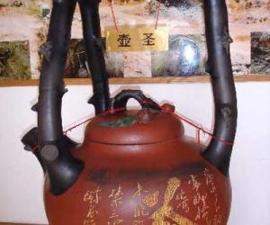东坡提梁壶的传说