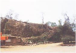 古窟遗址与矿层